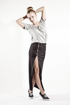 Spódnice szare od MADE LINE