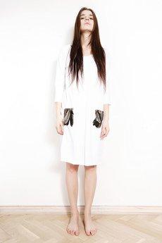 Sukienki białe od FUTRO